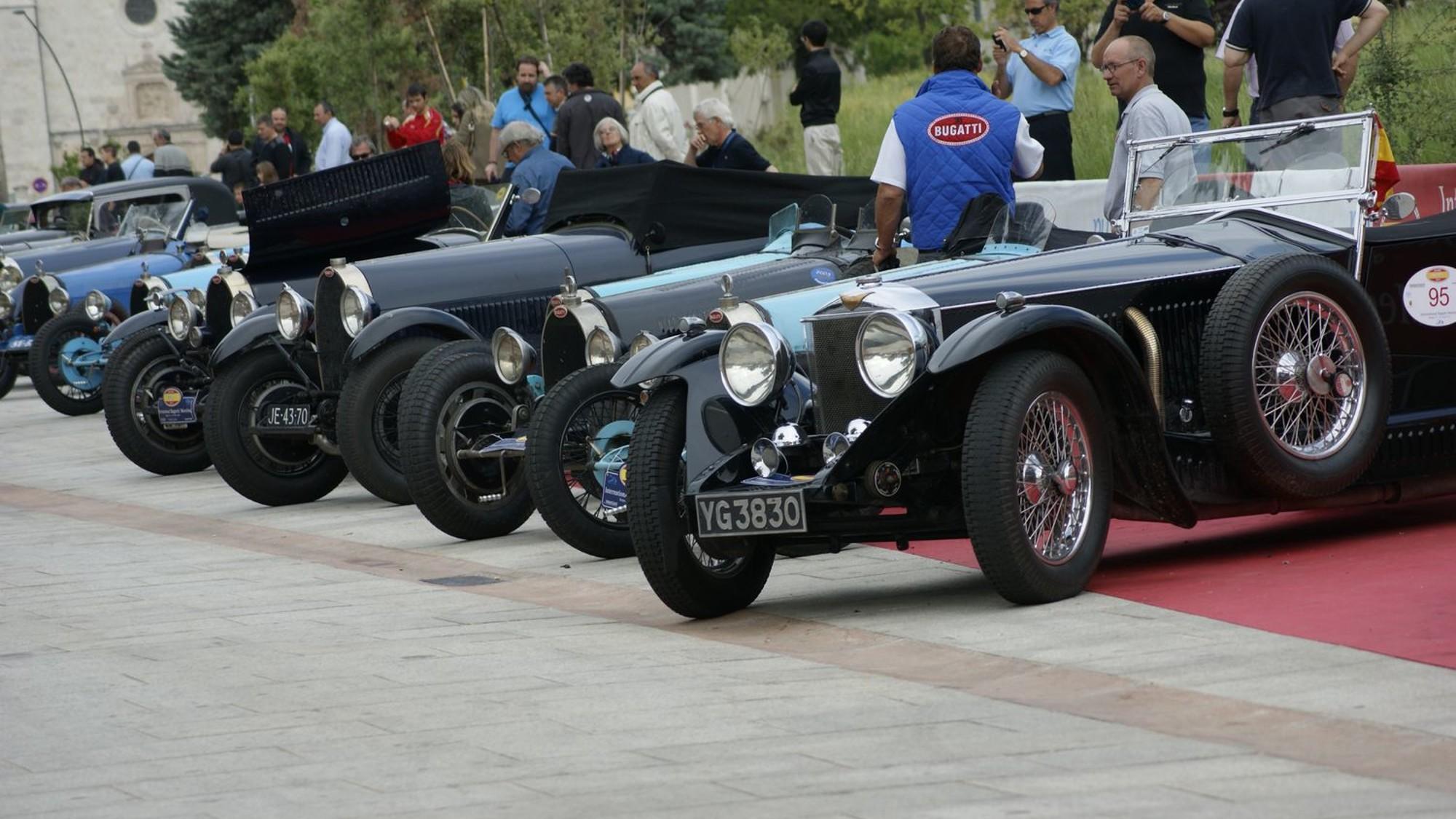 Exposición de coches antiguos en Burgos